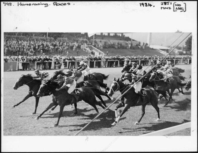 1934 The Duke of Gloucester Handicap, Trentham - Photograph taken by Charles Percy Samuel Boyer 1902-1973.jpg
