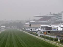 BIG WET CLOSES IN ON FLEMINGTON